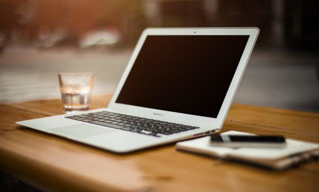 tips menjaga laptop agar tidak mudah rusak